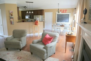Home Staging a family room